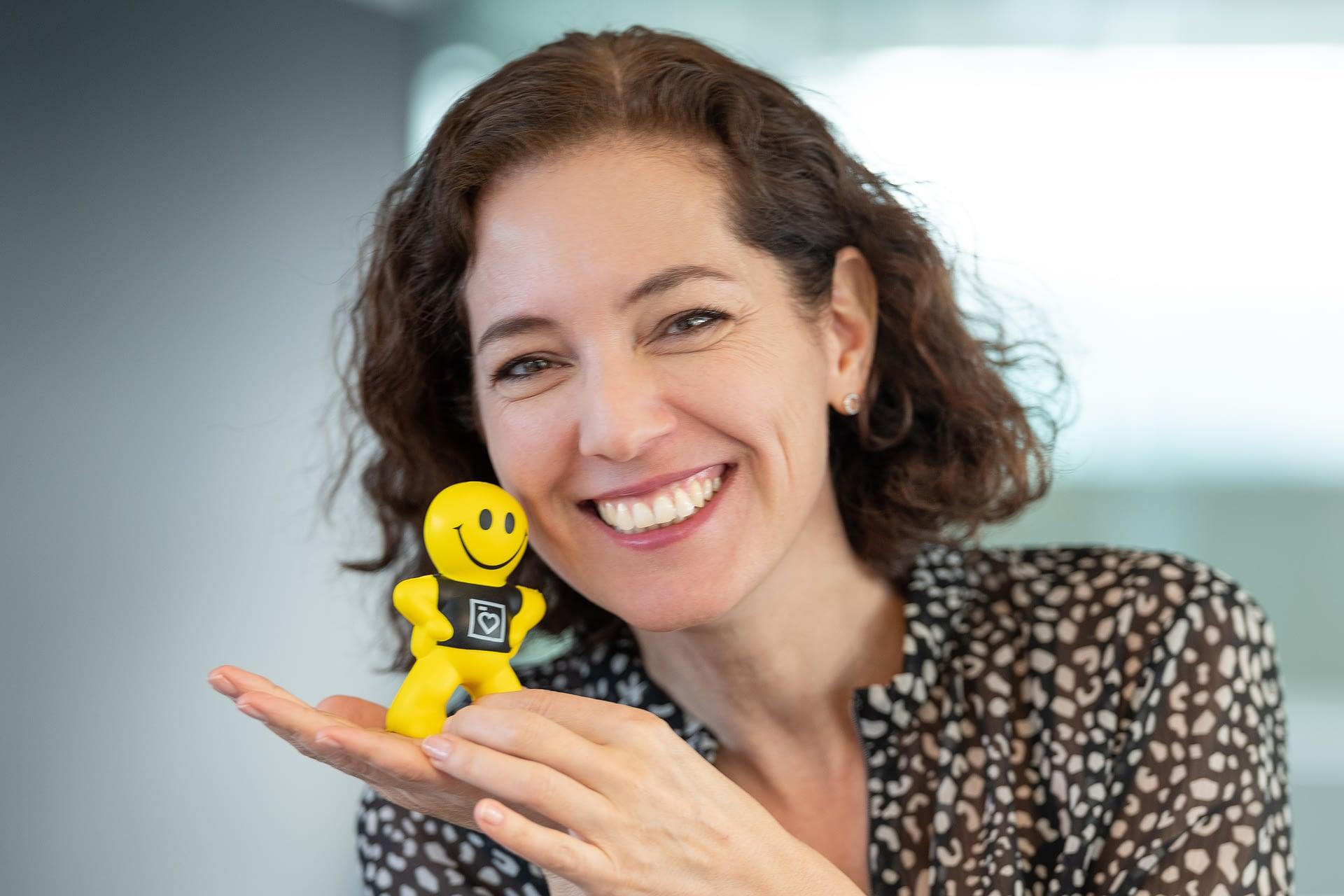 Smile ... Groupe E Portrait Nathalie Salamin by STEMUTZ, Plexus, 05.12.201